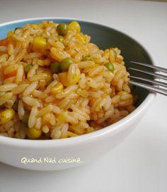 Après mon riz à l'espagnole, voilà le riz à la mexicaine! Un petit plat de riz sans prétention mais qui change un peu. C'est sur le site de Nestlé que j'ai trouvé cette recette, et (fait assez rare pour être souligné!) je n'ai rien changé à la recette...