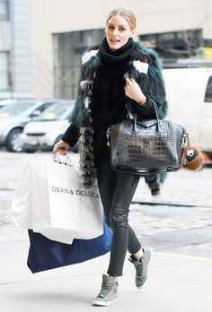 Olivia Palermo: Purse – Givenchy Sweater – Iris von Arnim Key Chain – Fendi Shoes – Max and Co. Olivia Palermo Outfit, Estilo Olivia Palermo, Olivia Palermo Lookbook, Olivia Palermo Style, Brooklyn New York, New York City, Green Tights, Givenchy Sweater, Leather High Tops