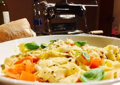 Fresh, Simple Pasta that you can make at home. Pan to plate in just 5 minutes with this tasty fettuccine recipe. Italian Main Courses, Fettuccine Recipes, Mashed Potatoes, Macaroni And Cheese, Tasty, Plates, Fresh, Canning, Ethnic Recipes