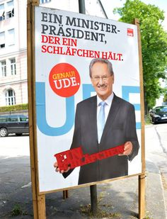 """Ude holding things - """"Ein Schläfchen"""""""