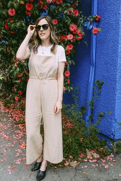 Linen is so great for summer. These linen overalls were really affordable and they are great for weekend brunch.