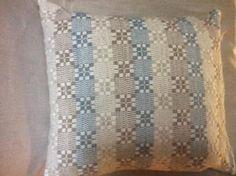 Koristetyynynpäällinen Handmade Home, Home Textile, Textiles, Throw Pillows, Decor, Toss Pillows, Decoration, Cushions, Decorative Pillows