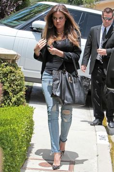 Kim Kardashian Takes A Stumble As Khloe & Kourtney Show Off New Style (PHOTOS) | Global Grind