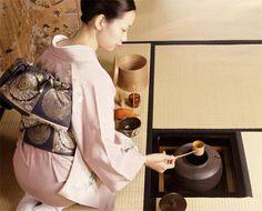 Japanische Teezeremonie: Meditation und Präsentation (Quelle: Thinkstock by Getty-Images)