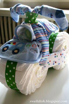 1000 images about diaper cake ieas on pinterest diaper for Diaper crafts for baby shower