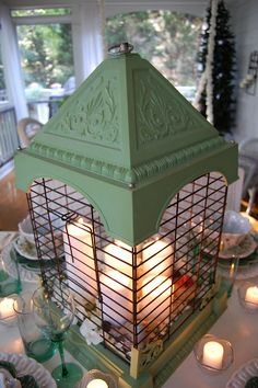 1000 images about decorating with birdcages on for Cage a oiseau decorative