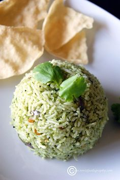 Coriander Rice (Kothamalli Sadam), a quick and healthy rice dish to boost your nutrients levels. Veg Recipes, Indian Food Recipes, Vegetarian Recipes, Ethnic Recipes, Vegetarian Diets, Curry Recipes, Vegan Food, Food Food, Vegetarian Rice Dishes