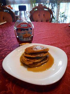 Különleges édesburgonya palacsinta Pancakes, Breakfast, Paleo, Food, Morning Coffee, Pancake, Beach Wrap, Meals, Yemek