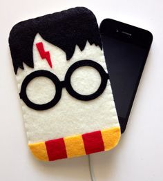 Harry Potter iPhone cover, also avail for Kindles, tablets. How cool is this?!