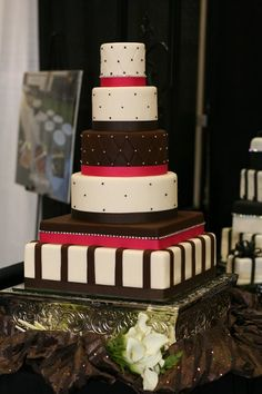 Multi-shape Wedding Cakes Photos & Pictures - WeddingWire.com