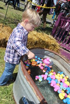 ... eggs on Pinterest | Plastic Eggs, Plastic Easter Eggs and Easter Eggs: https://www.pinterest.com/digitaldebby/things-to-do-with-those...