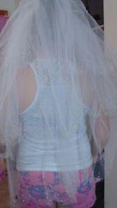 3 wedding dresses and 2 prom dresses Annapolis Valley Nova Scotia image 9