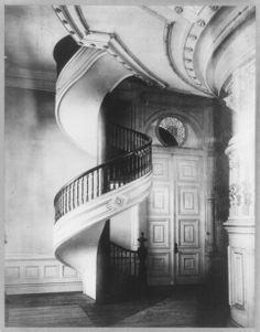 Spiral staircase, Mormon Temple, Salt Lake City, Utah, 1911.