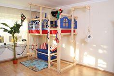 Piratenhochbett - Ein tolles Abenteuerbett für alle Seeräuber http://www.kindermoebelparadies.de/Kinderbetten/Piratenbett::5683.html