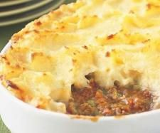 Cottage Pie with Apples is a delicious British Food. Learn to cook British Food Recipes and enjoy Traditional British Food. Mince Recipes, Cooking Recipes, Sheppards Pie Recipe, Sheppard Pie, Cottage Pie, Yummy Food, Favorite Recipes, Ground Beef, Ground Turkey