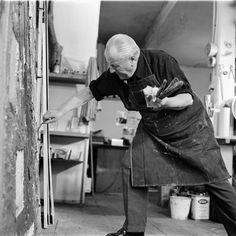 Hans Hofman in action in his studio