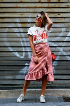 How to wear fall fashion outfits with casual style trends Autumn Fashion Casual, Fall Fashion Outfits, Modest Fashion, Skirt Fashion, Summer Outfits, Fashion Trends, Spring Skirts, Pinterest Fashion, Thrift Fashion