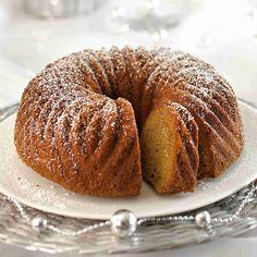 Vaahdota voi ja sokeri. Lisää munat yksitellen vatkaten. Yhdistä jauhoihin leivinjauhe, vanilliinisokeri ja pikakahvijauhe. Lisää taikinaan jauhoseos ja maito. Finnish Recipes, Cakes Plus, Decadent Cakes, Sweet Pastries, Little Cakes, Pastry Cake, No Bake Desserts, Coffee Cake, Yummy Cakes
