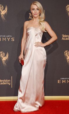 #Awards, #JulianneHough, #LosAngeles Julianne Hough – Creative Arts Emmy Awards in Los Angeles 09/09/2017 | Celebrity Uncensored! Read more: http://celxxx.com/2017/09/julianne-hough-creative-arts-emmy-awards-in-los-angeles-09092017/