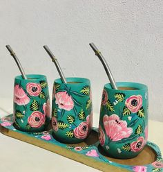 Cool Art Projects, Craft Projects, Painted Pots, Hand Painted, Flower Pot Crafts, Flower Pots, Intro To Art, Mug Art, Plant Art