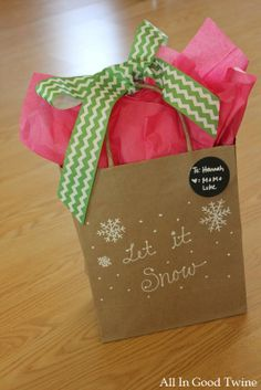 gift wrapping ideas...who says you can only use red and green at Christmas?!