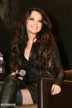 Sarah Brightman smiles for the press.