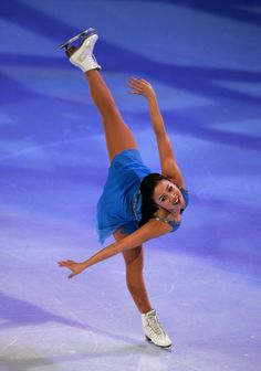 Michelle Kwan ♥- wish I could a spiral this good!.Michelle Kwan is my favorite skater of all time.Please check out my website thanks. www.photopix.co.nz