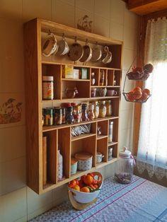 http://www.agorabutsudan.it/#!stagera/c130o  Stagera realizzata in legno massello di rovere oliato.