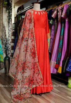 Sari Blouse Designs, Dress Neck Designs, Punjabi Dress Design, Anarkali Dress, Lehenga, Indian Designer Suits, Indian Gowns Dresses, Dress Indian Style, Indian Fashion