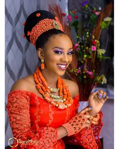 nigerianische hochzeit Long Bridal Jewelry for African Wedding, Gold or Silver option and Coral Beads Set for Nigerian Bride, Yoruba/Edo Brides/Ibo Brides African Wedding Attire, African Attire, African Dress, African Traditional Wedding Dress, Traditional Wedding Attire, Traditional Weddings, Nigerian Bride, Nigerian Weddings, African Weddings