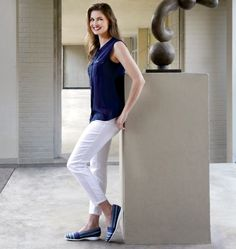 A great look for the blue Munro Bonita with a pretty white pant and navy  blue