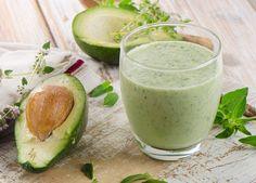 Avocado beauty smoothie! Dankzij de antioxidanten die je beschermen tegen schadelijke stoffen van buitenaf, is dit een echte weldoener voor je huid.