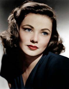 maquillage yeux bleu clair années 40 rouge à lèvre rouge coiffure vintage