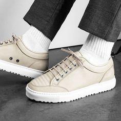 Capuccino Feeling: Sneaker aus Nubuk-Leder. Hier entdecken und shoppen: http://sturbock.me/5O0