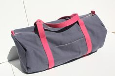 Un sac polochon pour le sport ou autre! http://www.alittlemarket.com/boutique/natfournier-49816.html