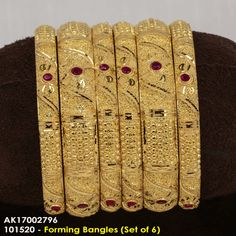 Plain Gold Bangles, Gold Bangles Design, Gold Jewellery Design, Gold Jewelry, Most Expensive Jewelry, Bridal Lehngas, Mexican Jewelry, Indian Wedding Jewelry, Bangle Set
