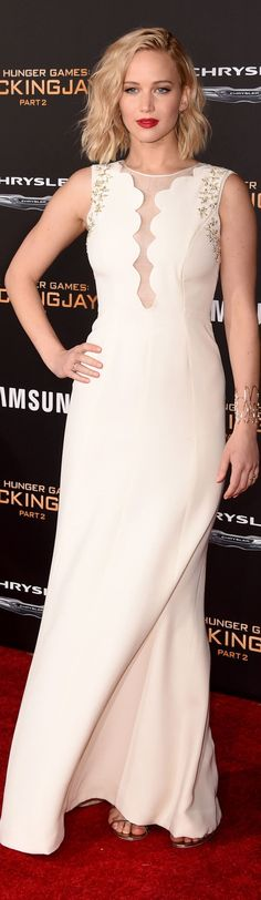 Jennifer Lawrence In Christian Dior – 'The Hunger Games: Mockingjay – Part 2' LA Premiere