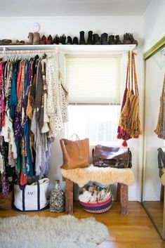 New open closet storage apartment therapy ideas Small Closet Space, Small Spaces, Tiny Closet, Open Closets, Dream Closets, Small Closets, Apartment Living, Apartment Therapy, Hippie Apartment