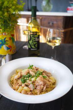 Pekoni-ananas-kanakastike Pasta Dishes, Risotto, Food And Drink, Keto, Ethnic Recipes, Pineapple