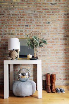 Кирпичная стена в интерьере: 5 практичных идей,  25 лучших примеров