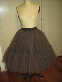 how to make a tulle skirt or petticoat http://www.andreaschewedesign.com/1/post/2014/02/tulle-skirts-1427-sewing.html