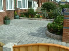 Marshalls Drivesett Tegula with Circle Feature Liverpool  http://www.abellandscapes.co.uk/liverpool-driveways