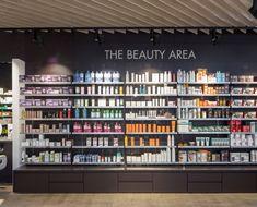 farmacia-el-saler-reforma-7 Lingerie Store Design, Exhibition Display Stands, Retail Shelving, Boutique Decor, Salon Interior Design, Cosmetic Shop, Store Interiors, Retail Interior, Retail Design