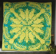 Pineapple Hawaiian Quilt square. Theresa I can teach you how to do this...and we can both go blind!