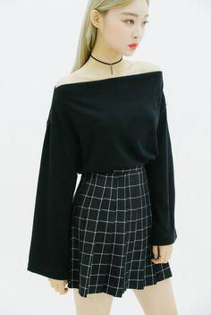 8 kiểu váy áo khoe khéo xương quai xanh gợi cảm khiến các nàng chỉ chờ hè đến là diện - Ảnh 14.