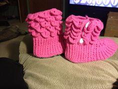 Crocodile Stitch slipper boots Crocodile Stitch, Slipper Boots, Crochet Projects, Baby Shoes, Slippers, Kids, Clothes, Fashion, Children