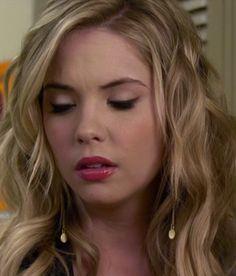Hanna's Gold Chain Earrings!