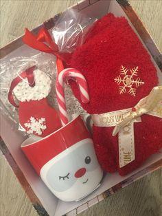 Christmas Presents To Make, Christmas Gift Baskets, Christmas Gifts For Girlfriend, Christmas Gift Box, Merry Christmas And Happy New Year, Christmas Deco, Christmas Projects, Xmas Gifts, Cool Gifts