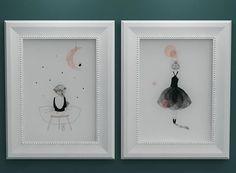 Çocuk ve genç kız odaları icin hazirladığımız tercihinize göre duvar dekoru yada masa dekoru olarak kullanabileceğiniz çift kullanımlı özel tasarım beyaz cerceve icerisinde hazırladığımız bu ikili sevimli tablo setimiz çocuklarınızın odasındaki yerlerini almaya hazır.Ayrıntılı bilgi ve siparis  için dm yada whatsapptan iletisime geçebilirsiniz  #dogumfotografcisi  #fotograf  #hamileanneler #anneoluyorum #yenidogan #moon  #dogumfotograflari #hosgeldinbebek #dogumfoto #bebekodasidekor…