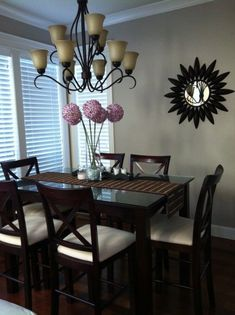 You Don't Know About Elegant Small Dining Room Decorating Ideas Could Be Costing to More Than You Think - myriaddecor Dining Room Table Decor, Dining Room Sets, Dining Room Design, Living Room Decor, Bedroom Decor, Dining Tables, Dark Wood Dining Table, Small Dining, Round Dining